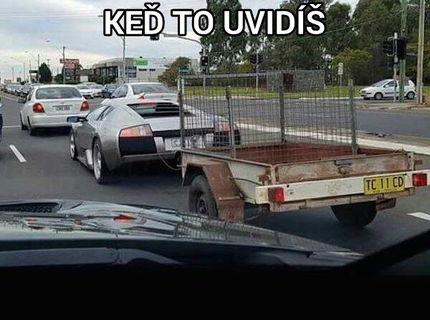 Pre boha vidis to ?:D tazne za take auto?:D