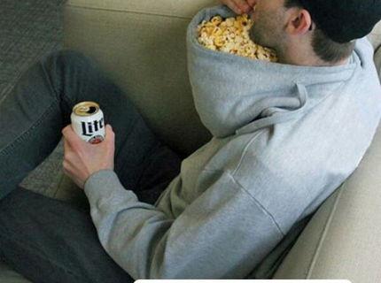 SUPER TRIK NA TELKU: Takto sa dá servírovať popcorn:D